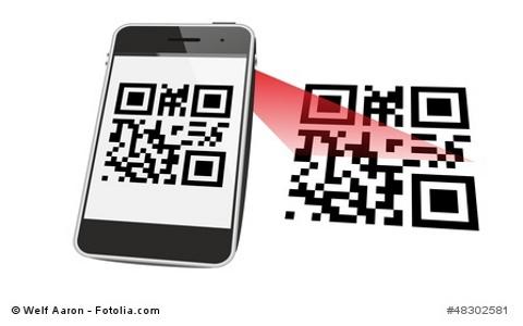 Ein Handy scannt einen QR-Code.