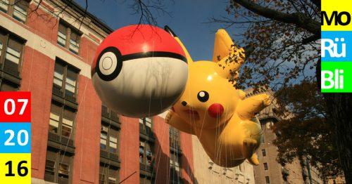Zwei große Ballons in Form eines Pokeballs und eines Pikachus.