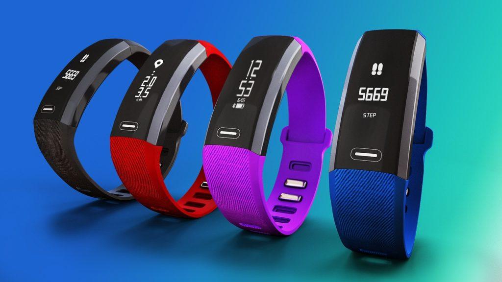 fitness-tracker gadget fitbit jawbone