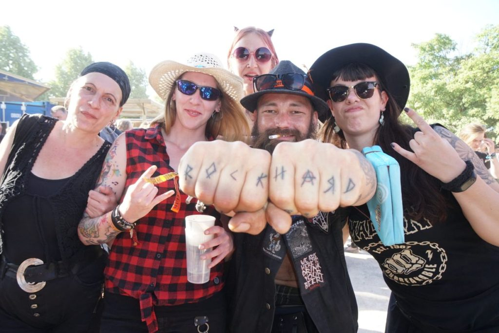 Social Media Live Einsatz: Besucher auf dem Rock Hard Festival