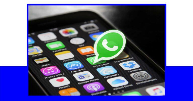 Der Messaging-Dienst WhatsApp wird auf einem Smartphone hervorgehoben.